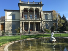 Die Villa (und das heutige Museum) wurde schon 1855 gebaut.